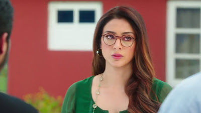 Golmaal Again Movie Actress Tabu HD Image