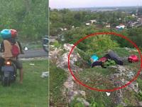 Remaja Zaman Now! Dikira Alami Kecelakaan, Ternyata Kelakuan Dua Remaja di Pinggir Jurang Ini Bikin Istighfar!