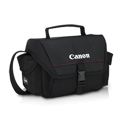 Túi máy ảnh là một trong các tiện ích dành cho khách hàng dùng dịch vụ cho thuê máy ảnh.