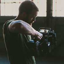 Bagaimana Stock Footage dan Motion Graphics Dapat Meningkatkan Alur Kerja Video Anda