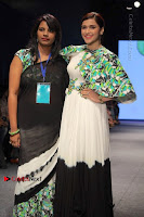 Actress Mannara Chopra Ramp Show in Fashion Dress at Delhi  0013.jpg