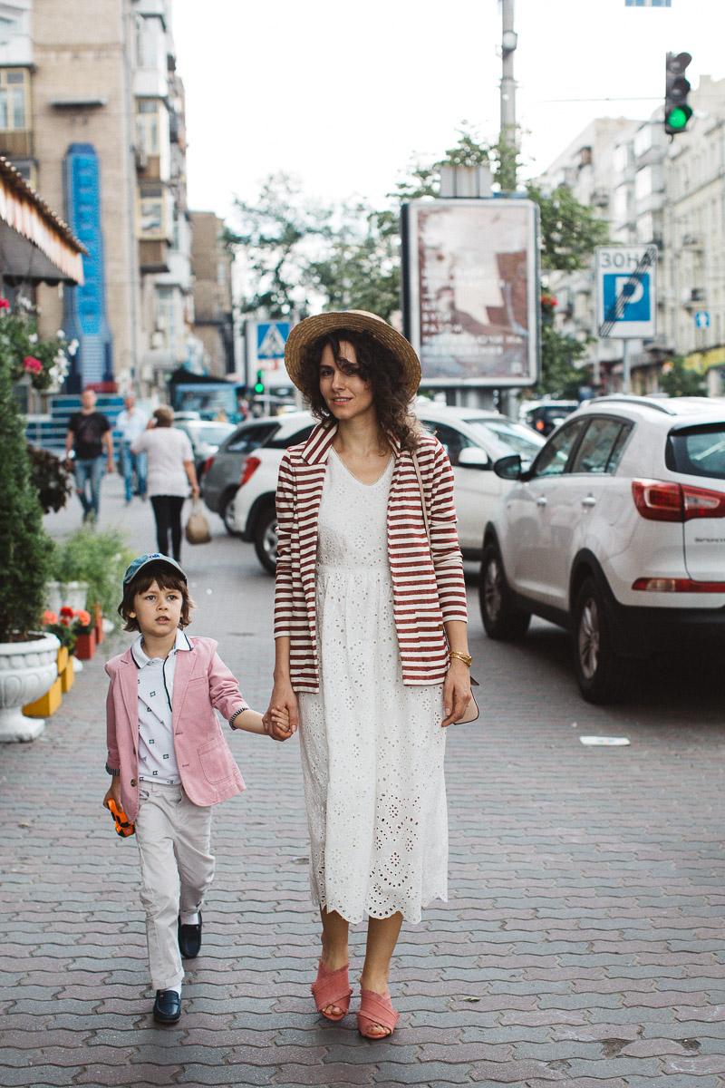 стильный мальчик и стильным мама