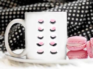 Eyelashes Coffee mug