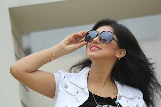 Apu Biswas Bangladeshi Actress Hot And Sexy Wallpapers