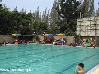 kolam renang tirta mas