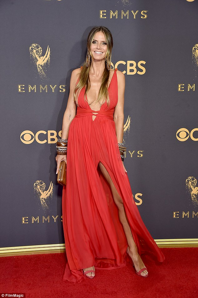 Heidi Klum bares cleavage in plunging gown at the 2017 Emmy Awards