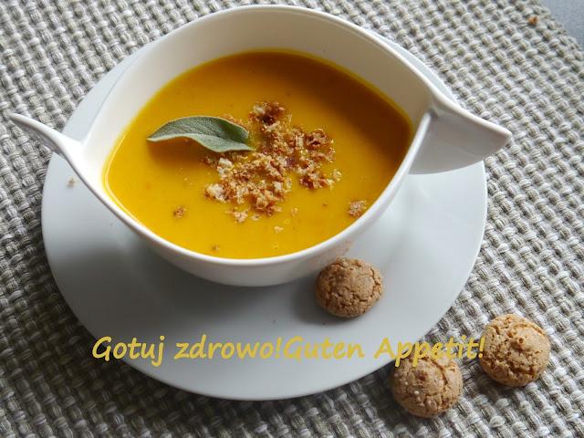 Zupa krem z dynii z mlekiem kokosowym i ciasteczkami amarettini oraz masłem szałwiowym - Czytaj więcej »
