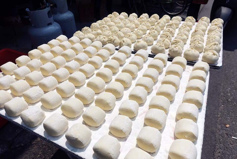 土庫美食-無招牌老店的肉包饅頭店(菜包),手工自製麵團好好味
