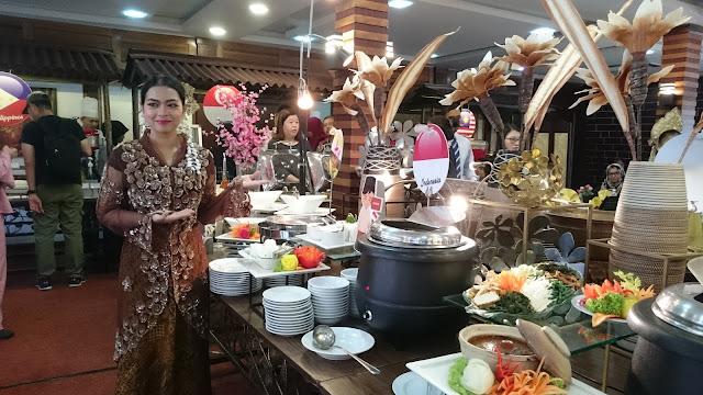 D'SAJI SASAR 20,000 PENGUNJUNG NIKMATI BUFET RAMADAN  ASEAN