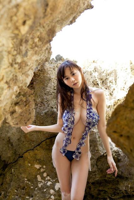 Hot girls Japanese porn model Sugihara with sexy Bikini 4