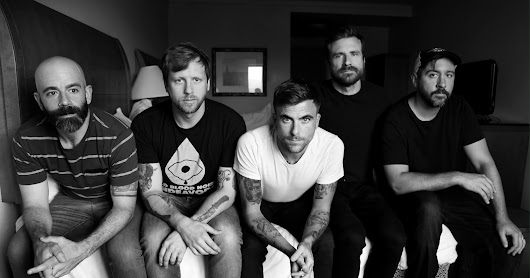"Circa Survive divulga clipe e música ""Premonition of the Hex"""