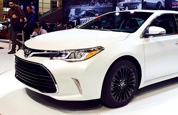 2016 Toyota Camry Le Colors And Review