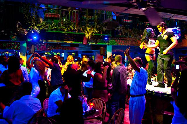 Detalhes sobre a balada Mango's Tropical Café em Miami
