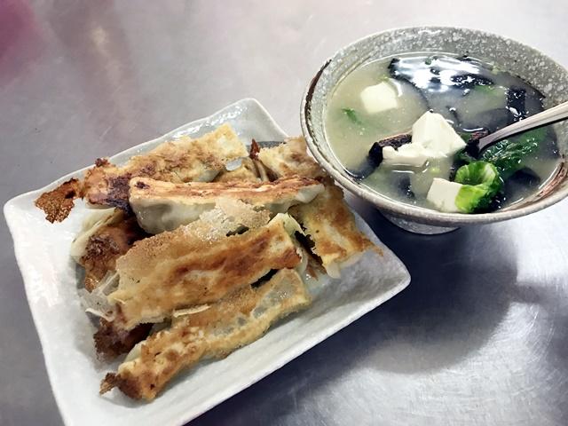 品馨素食煎餃、味噌湯
