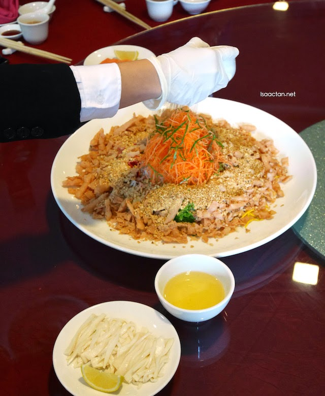 Royal Gourmet's staff preparing our yee sang