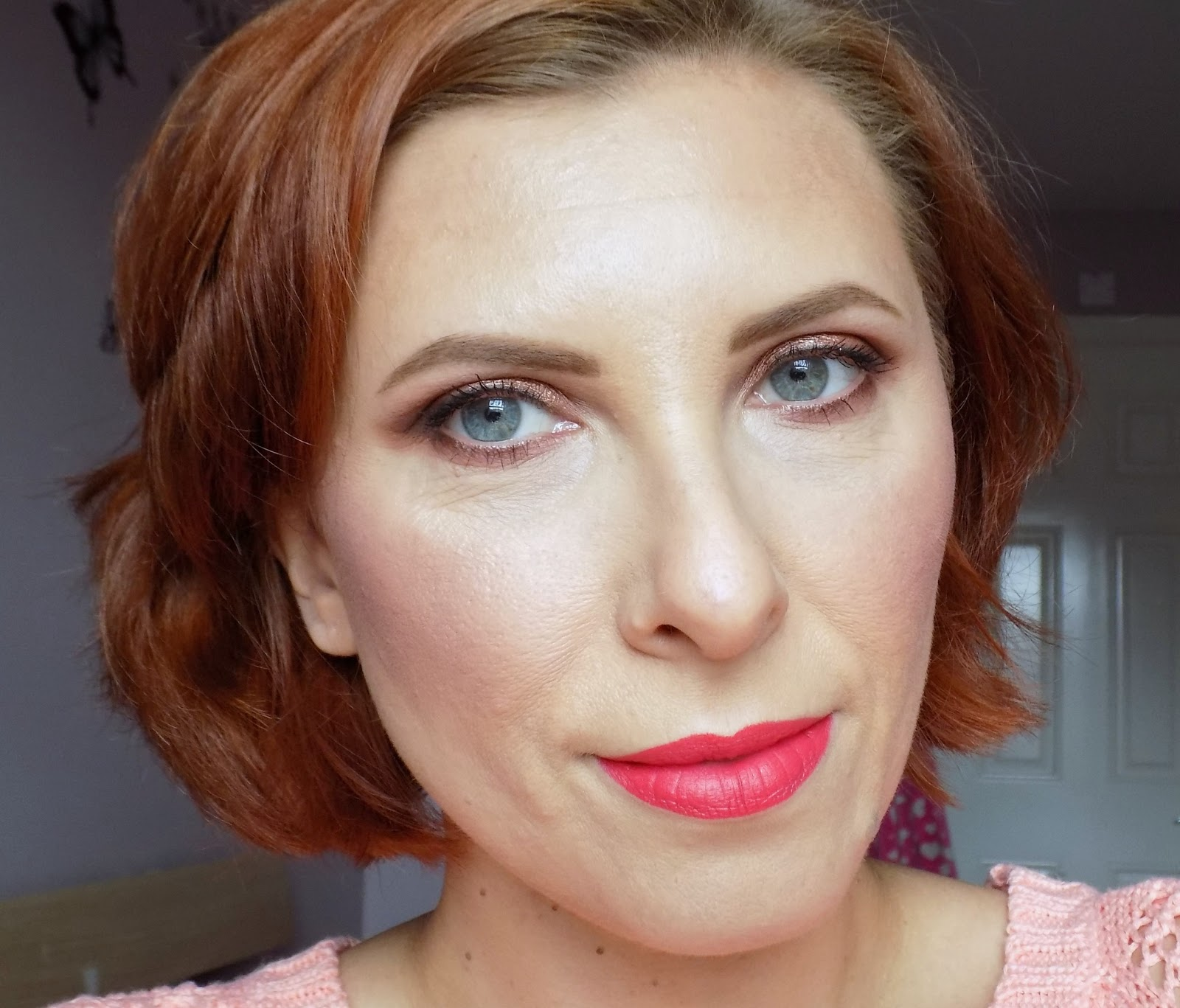 coral lips makeup look