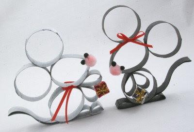 Des souris en rouleau de papier toilette