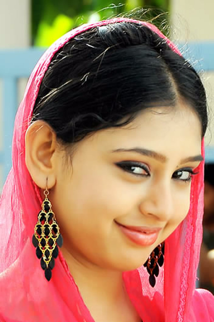 [Image: Niti+Taylor+Hd+Wallpaper+02.jpg]