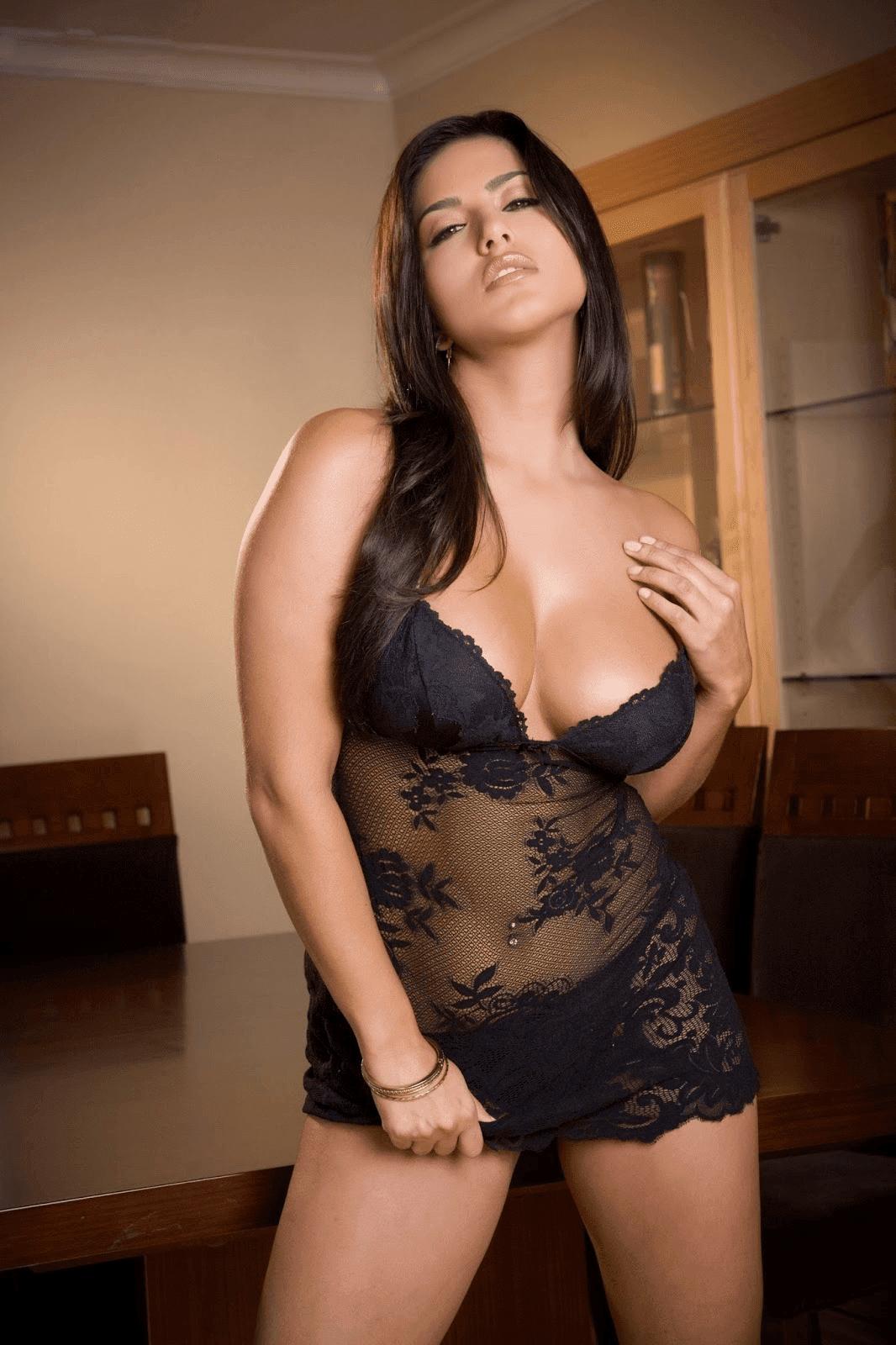 Chicas de bomba de gas desnudas