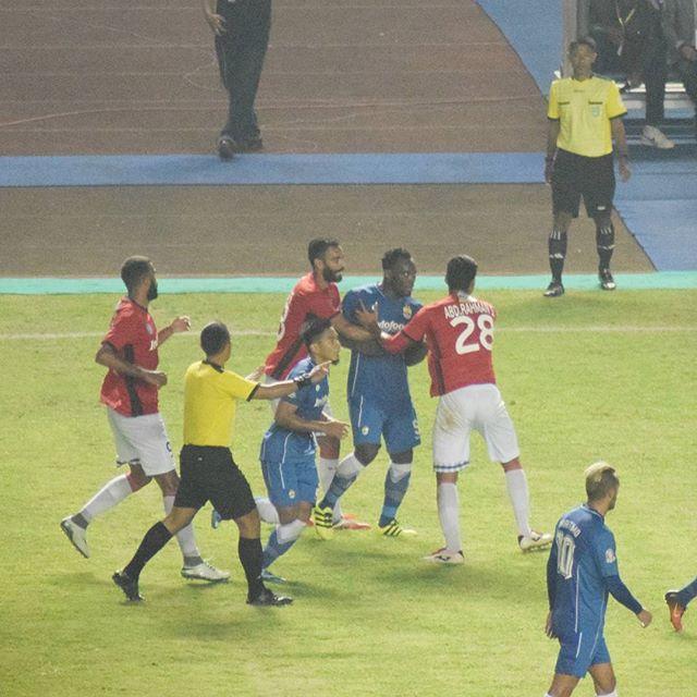 Essien Vs Yabes Roni | Persib Vs Bali United GBLA