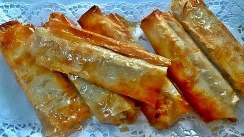 Rollitos de plátano con pasta filo