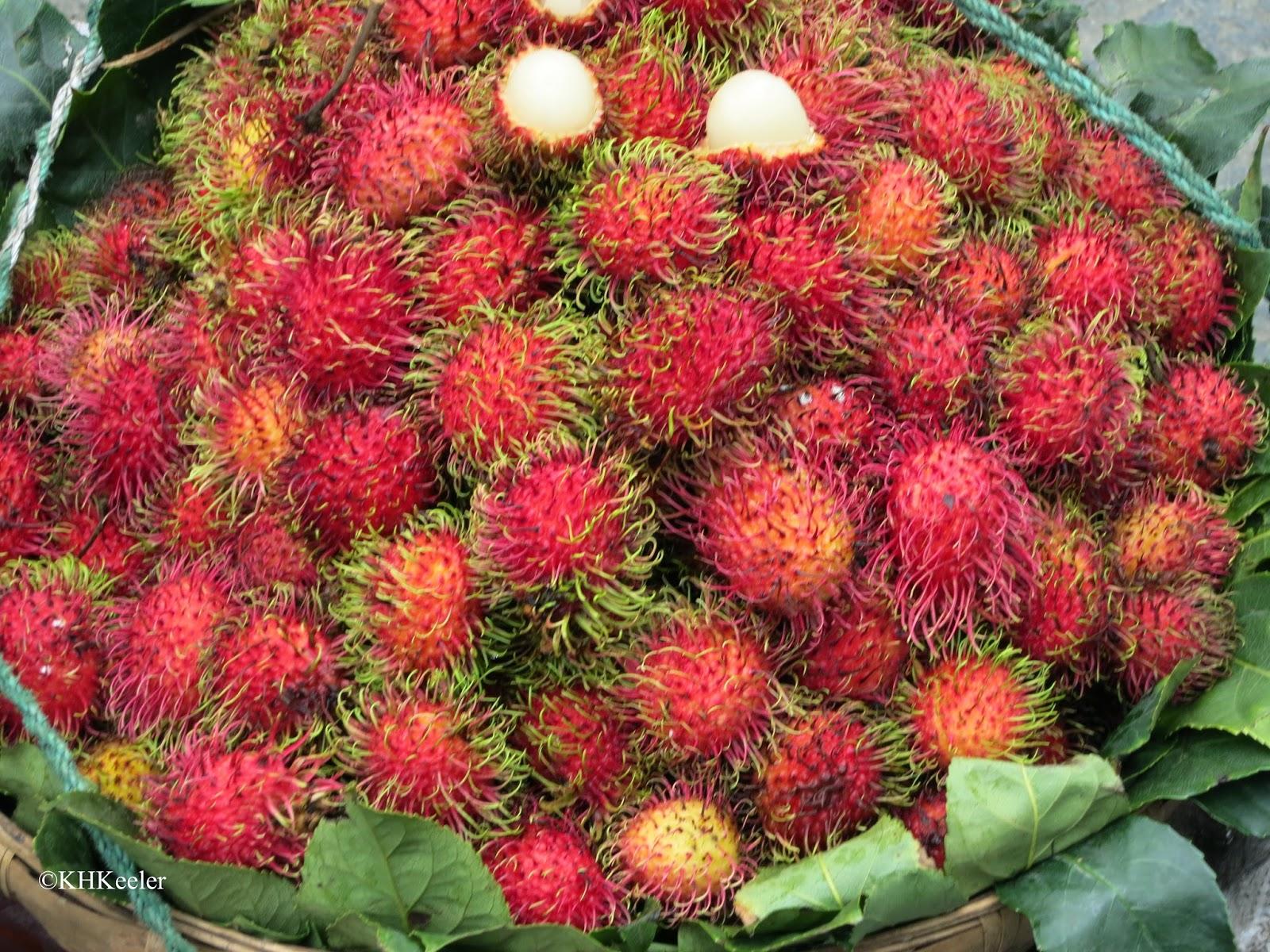 lychees, Dali market