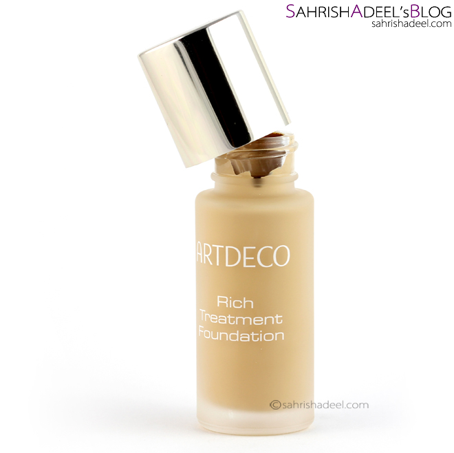 Artdeco Rich Treatment Foundation - Review & Swatch