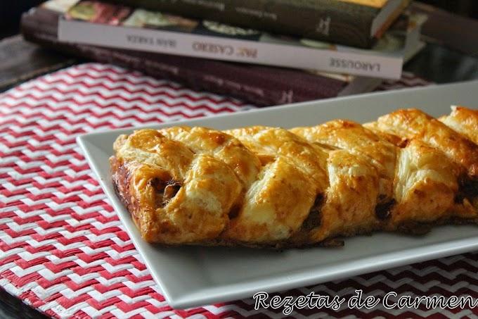 Trenzas de hojaldre saladas: Sardinas, y lomo con queso y pimientos