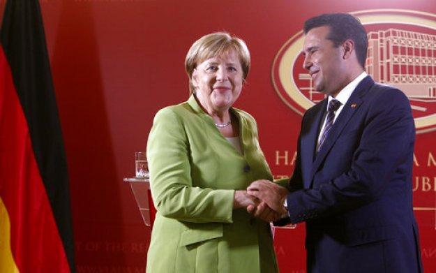 Μέρκελ προς Ζάεφ: Προχωρήστε στην επικύρωση της Συμφωνίας των Πρεσπών