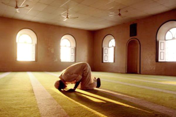 Laki-Laki Ini Berpuasa, Shalat Malam Dan Khatamkan Al Qur'an Sepanjang Tahun Tanpa Henti Satu Hari Pun
