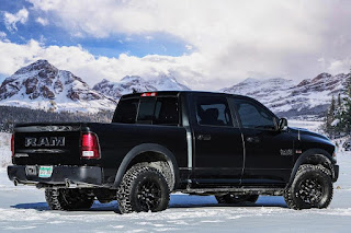 Ram 1500 Rebel Black Crew Cab (2017) Rear Side