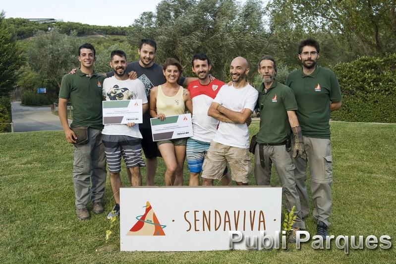 'Certificado de Profesionalidad Cuidador de animales salvajes, de zoológicos y acuarios', con personal del parque