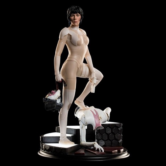"Ghost in the Shell ""Major"" Scarlett Johannson statue available for pre-order"