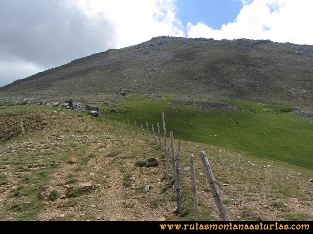 Ruta Peña Cerreos y Ubiña Pequeña: Desde ell Alto Terreos a Peña Cerreos
