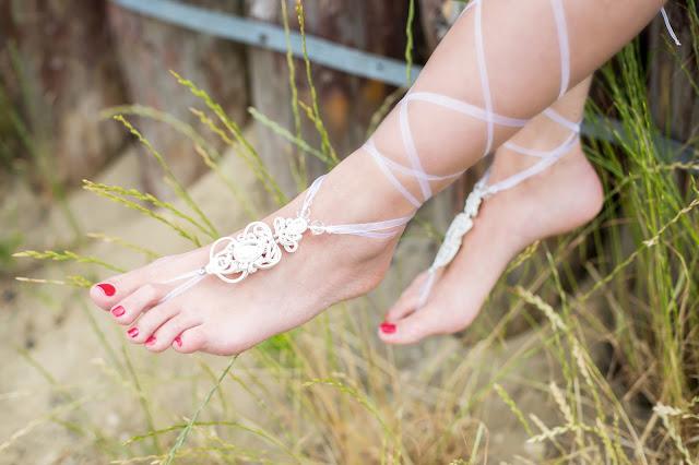 Ślubne bransoletki na stopy