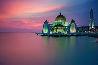 9. Masjid Selat