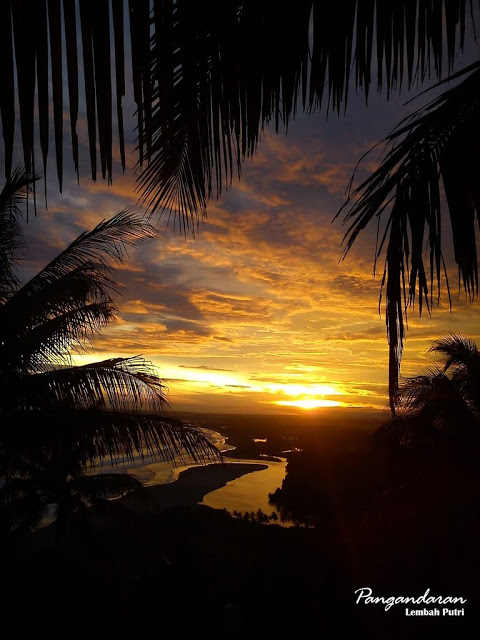 Senja di Pantai Lembah Putri