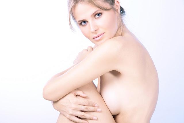 Reducción mamaria con liposucción