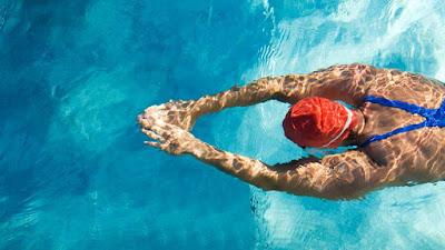 8 Raisons pour lesquelles la natation est la meilleure façon de perdre du poids et se mettre en forme rapidement