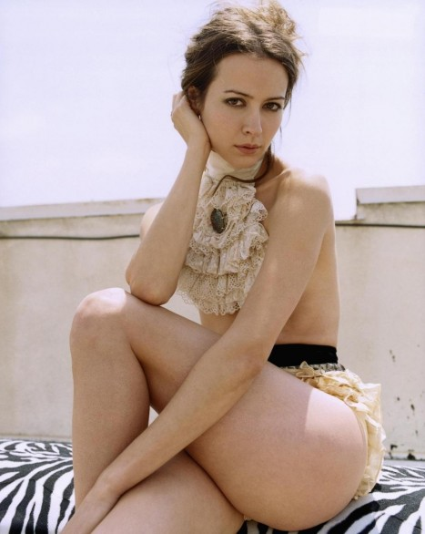 Hottest Amy Acker HD Wallpapers