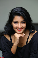Deepthi Shetty looks super cute in off shoulder top and jeans ~  Exclusive 17.JPG