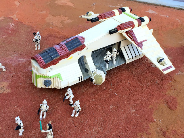 Disney Sisters Lego Star Wars Miniland The Force Is Strong At