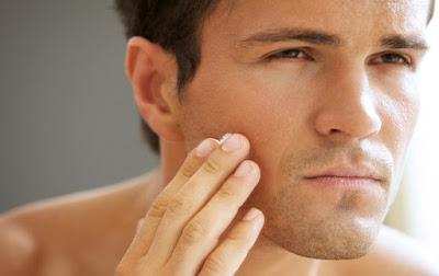 8 Cara Merawat Wajah Pria Agar Terlihat Lebih Awet Muda