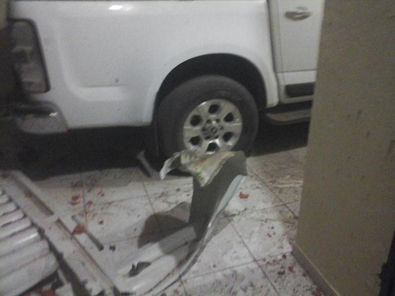 Casa do secretário de Educação de Santa Quitéria é atingida por Bomba