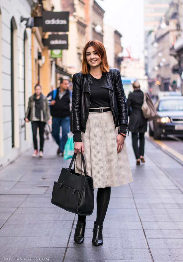 b034c4facf8a How to wear beige suede midi skirt and black biker jacket