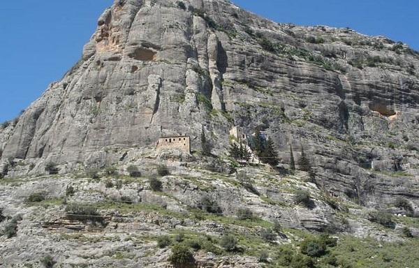 Νεμέα: Η Παναγία των Βράχων και η τοπική παράδοση
