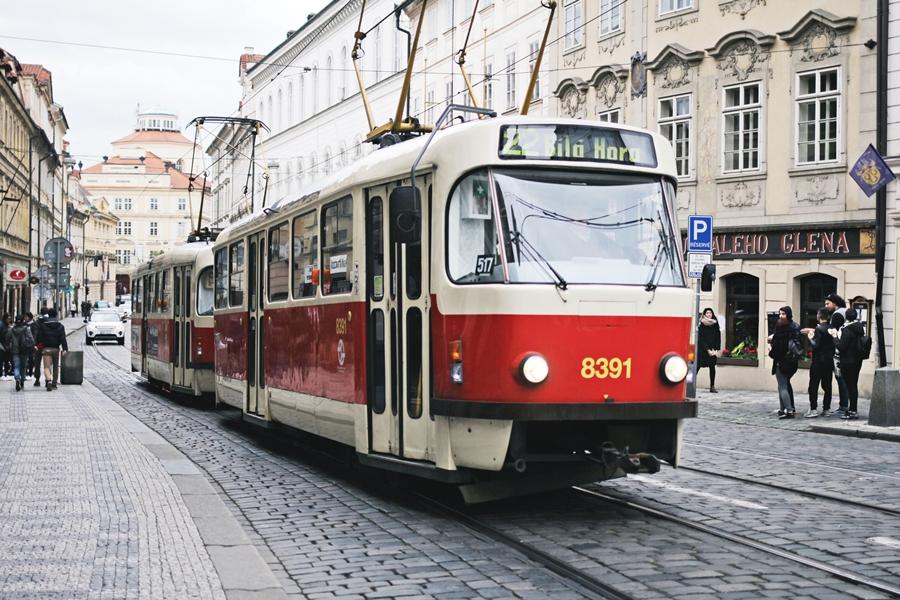prag straßenbahn stadt city center