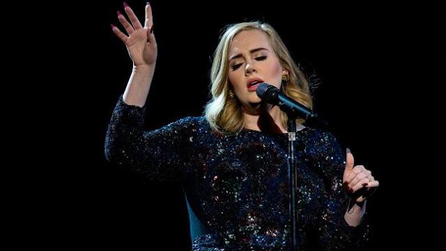 Adele olvida letra de cancion