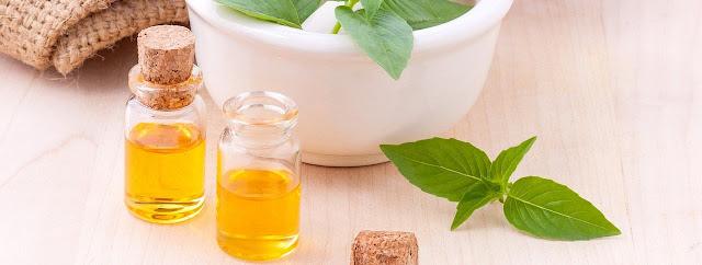 En los Talleres de Aromaterapia te presentamos las Herramientas adecuadas para utilizar los aceites esenciales en las dolencias más comunes un tu diario vivir, así como también en tu practica personal de Sanción, yoga y Bienestar.