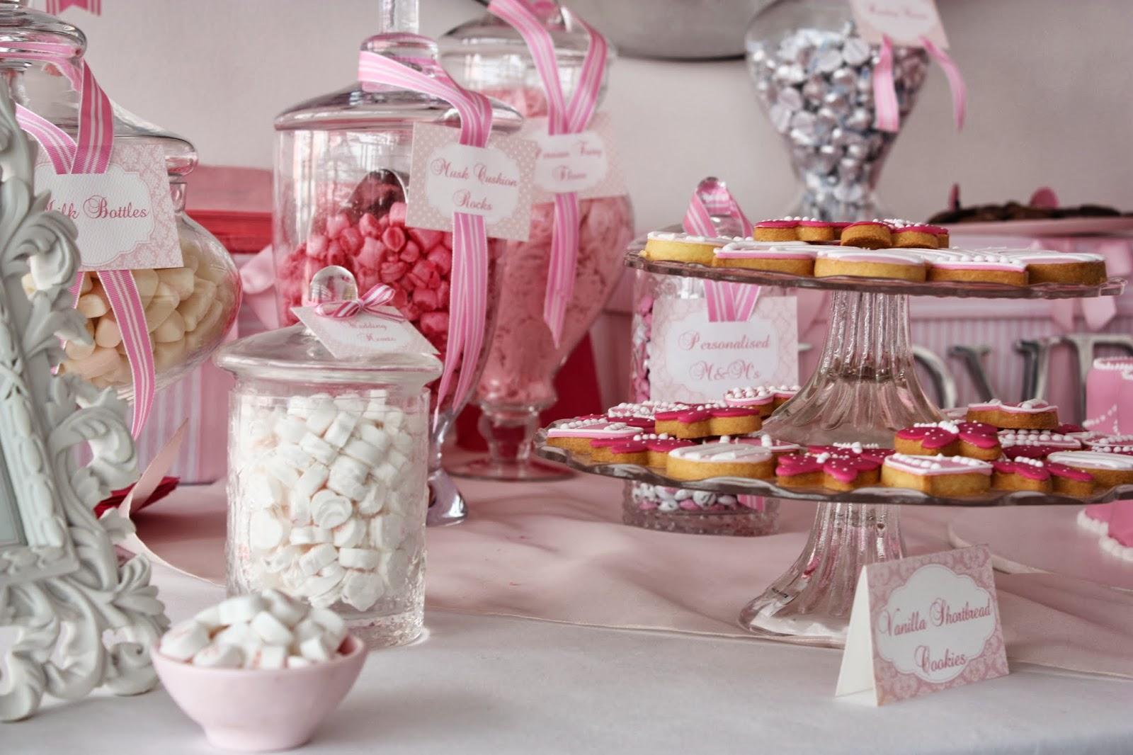 Weddings In Ghana Do You Want Sweets For Your Sweet And Sugar Honey Head To Candy Land